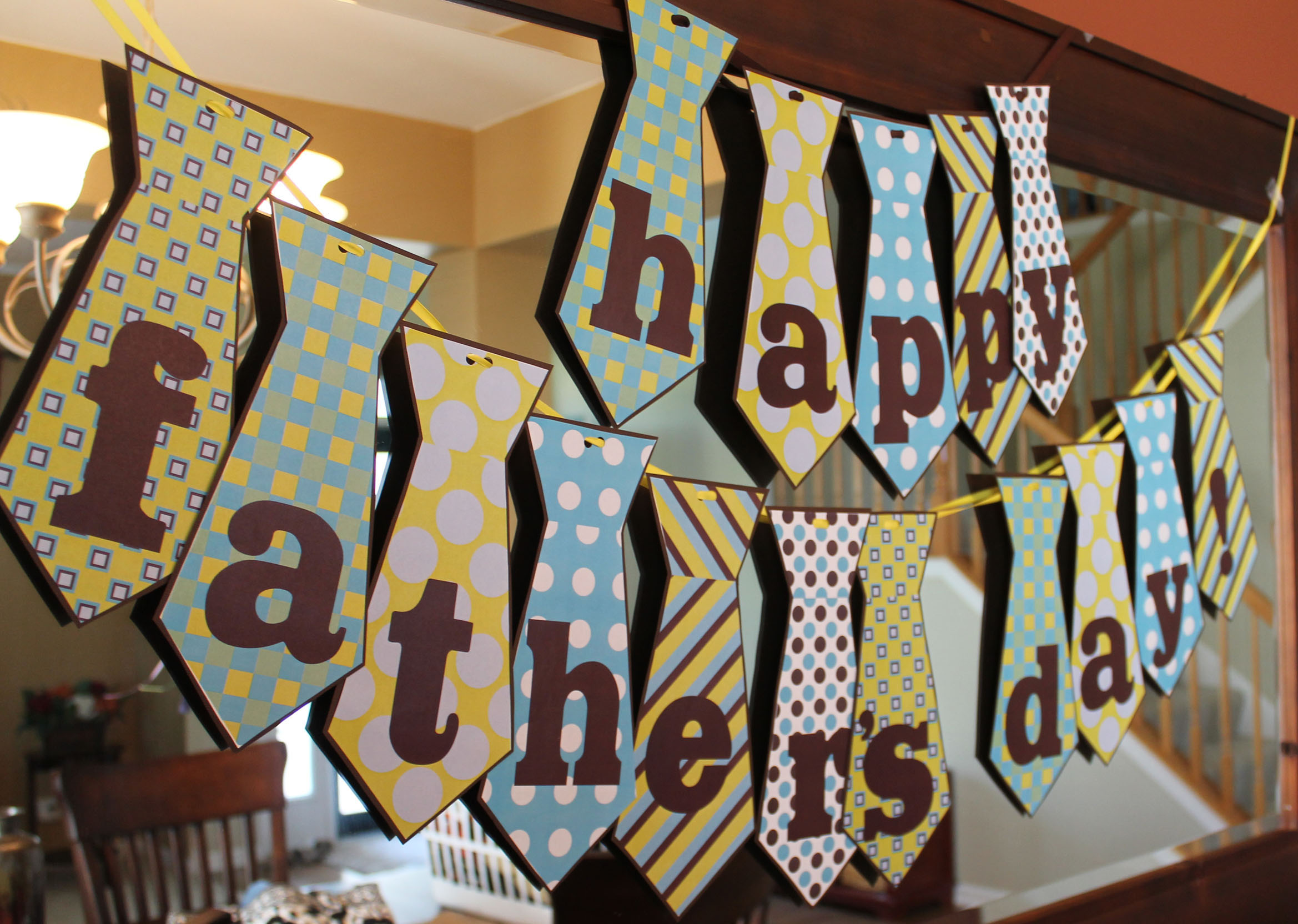 image relating to Happy Father's Day Banner Printable identified as Fathers Working day ipinnedit