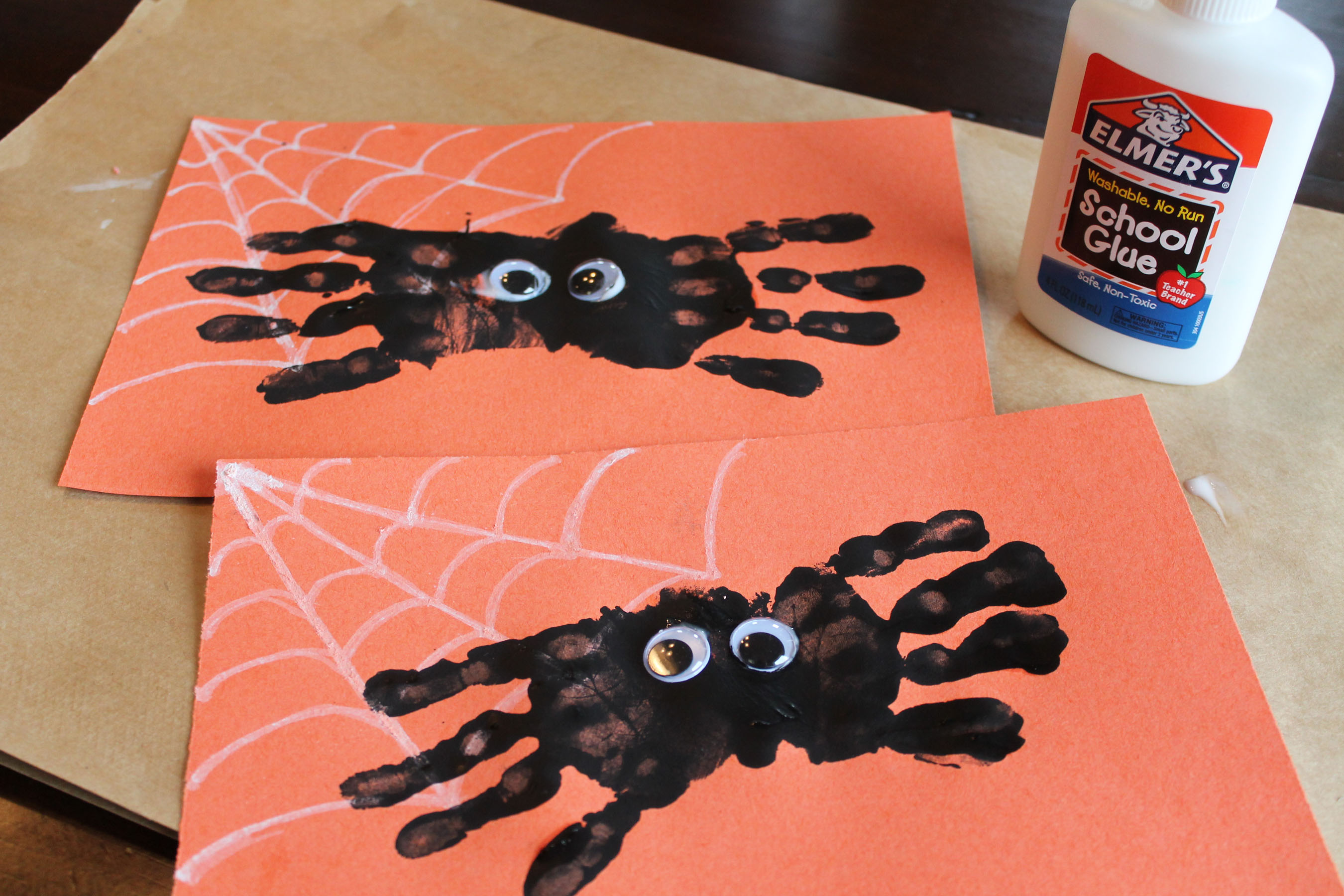 Hand print spider halloween craft ipinnedit for Arts and craft websites