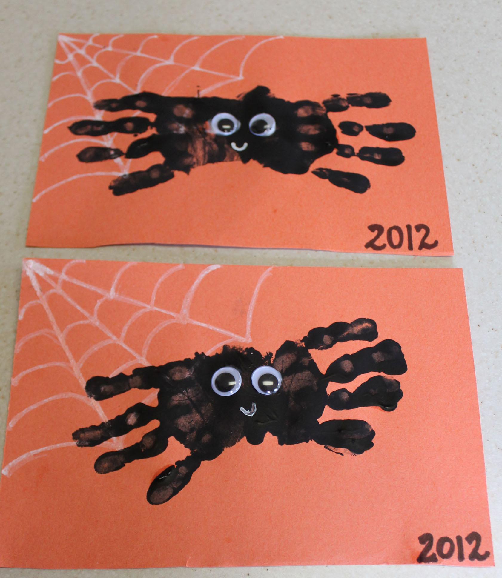 Hand Print Spider Halloween Craft | ipinnedit